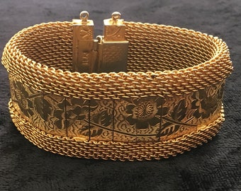 Hobe Gold Toned Mesh Bracelet with Floral Etched Panels and Embossed Endcaps