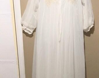 VINTAGE Beautiful Gossard Artemis Peignoir Nightgown set.