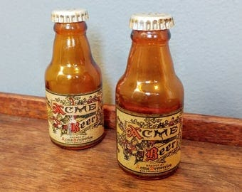 Vintage Beer Bottle Salt and Pepper Shakers // Vintage Breweriana Collectible