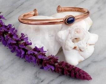 Bracelet made of brass and lapis lazuli - fire and indigo