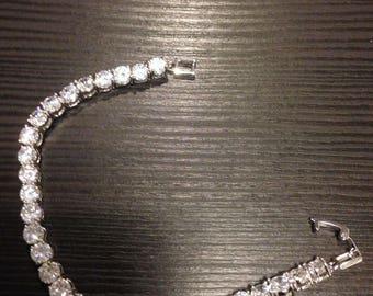 Tennis bracelet with Swarovski crystals.