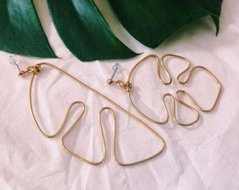 1 pair handmade Monstera earrings, gold, minimalist, asymmetric, statement earrings, model Nr. 5