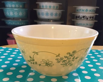 Vintage Pyrex 402 Shenandoah Nesting Bowl