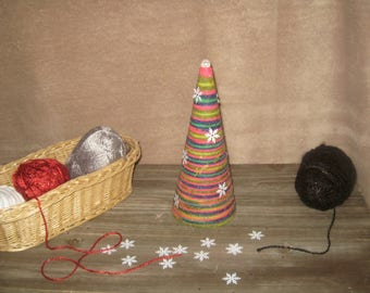 Multicolor wool glued - 24 cm Christmas tree