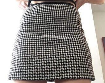Linda Dresner Houndstooth Miniskirt