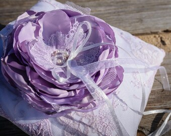 Purple Ring Pillow, Violet Ring Bearer pillow, Big Flower, Vintage Wedding, Lace Ring Pillow, White Lace pillow