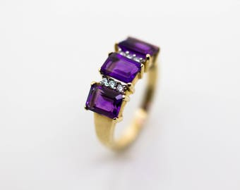 9ct Gold Amethyst & CZ Ring. Size O