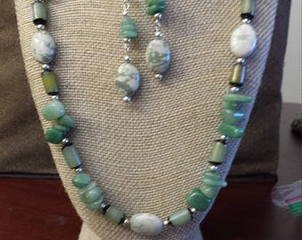 Peace jade and green aventurine necklace