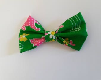 Green and Pink Pigs Hair Bow Tie Collar