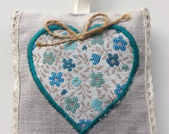 Lavender sachet in canvas grey with heart and lace to hang