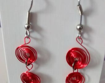 Wire circle earrings