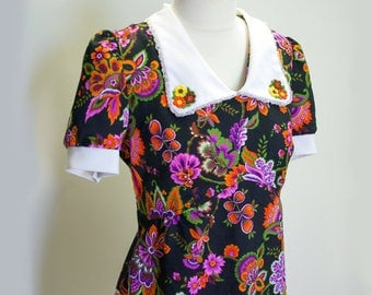 1970s Black Paisley day dress