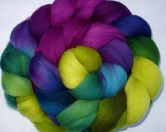 Hand painted merino spinning fiber, merino felting wool, merino roving, merino wool roving, hand painted roving, combed top, 21 micron,3.5oz