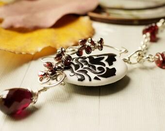 Irridescent SRA Lampwork Glass wirewrap Garnet Sterling Silver Necklace