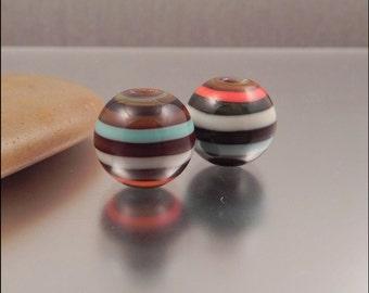 Ginnovations lampwork, Tucson bead pair (2 beads)
