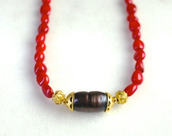 Gorgeous Red Coral, Inky Baroque Pearl Necklace in 22kg Vermeil...
