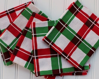 HOLIDAY SALE - Red Green Plaid Towel - Christmas Hand Towel - Plaid - Martex - Vintage Toweling - Linen Towel - Red Green Check