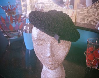 Vintage 1940s Hat black beret ribbon Swing Rockabilly Old Hollywood 40s 1950s 50s