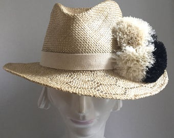 Straw Pom Pom hat    Medium brim Natural Straw Fedora  Summer Straw Hat   Straw Beach Hat with Pom Poms   Summer fedora with feather poms
