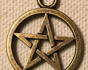 pentagram charm wicca wiccan Halloween antiqued bronze  , pendant drop, finding, connector   quantity 5  (V14)