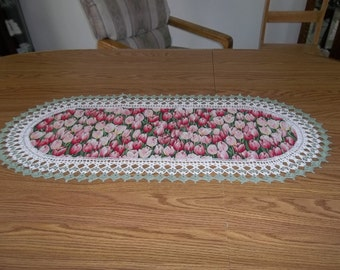 Crochet Table Runner, Tulips, Fabric Table Runner, Centerpiece, Home Decor, Table Topper, Handmade, Table Cloth, Dresser Scarf, Best Doilies