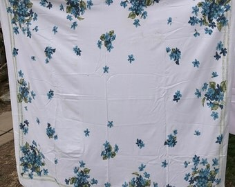 Vintage Blue and White Floral Print Cutter Tablecloth