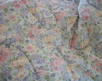 vintage laura ashley comforter, 'quartet' pattern, reversible with 'sycamore' pattern,  twin size, usa made, pink roses floral, cottage chic