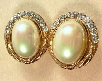 Oval Faux Pearl Rhinestone Clip Style Earrings Gold Tone Vintage