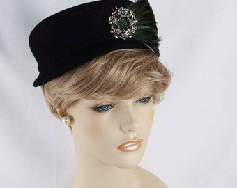Vintage 1950s Hat Black Felt Cap Style with Brooch and Feathers by Gage Sz 21