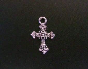 Ornate Pewter Cross Charm - Low Shipping