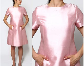 Vintage 1960s Bubblegum Pink Raw Silk Short Sleeved Mod Shift Dress with Front Pockets | Medium/Large