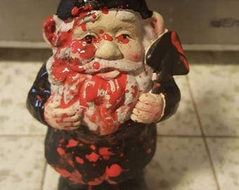 Bloody gnome, Zombie, Zombie gnome, Horror, Horror movie, MsFormaldehyde, Blood splatter,Gnome, Bloody