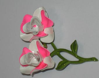 Vintage Pink and White Floral Brooch Pin