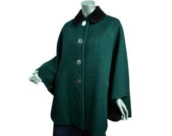 Vintage Trachten Tyrol Cape Poncho Cloak ~ Size Medium D 38 ~ Green Wool ~ Black Velveteen Collar ~ Oktoberfest ~ See Condition