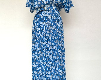Bright Rich BLUE Floral Print Chiffon Vintage DRESS with PLEATED Skirt and Matching Belt