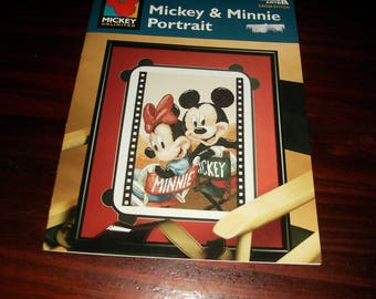 Counted Cross Stitch Mickey and Minnie Portrait Leisure Arts 3077 Disney Counted Cross Stitch Leaflet