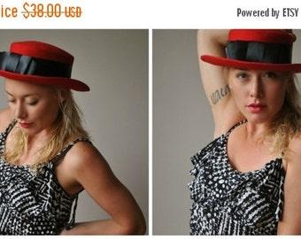 ON SALE 1980s Crimson Bow Hat