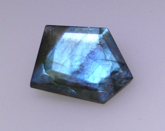 Abstract faceted Labradorite gemstone, excellent mostly blue color flash, 14.25 carats                          043-09-010
