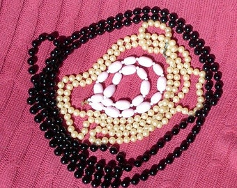 VINTAGE ladies LOT of 3 necklaces pink choker, Flapper black & imitation pearls