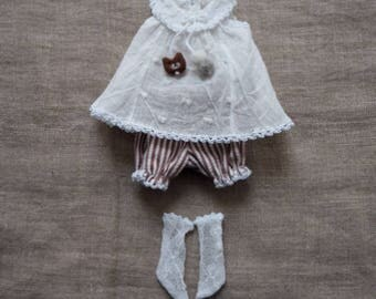 OOAK 2 piece sleeveless set for Blythe (bear & bloomers)