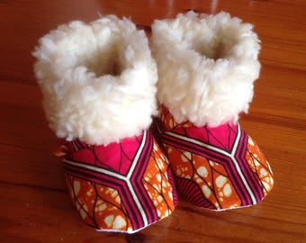 Baby crib shoes boots booties in African Kitenge print with faux fur cuff