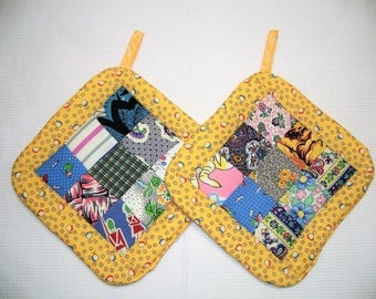 Pot Holders made with Vintage Quilt Top, Set of 2, Insulated Potholders, Yellow Fabric Potholders, Trivets, Hot Pads, Made in America