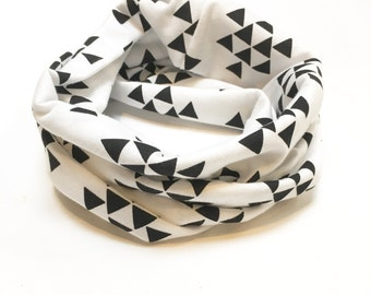 Black and White Triangle Toddler / Child Infinity Scarf