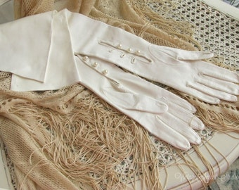 Vintage Long Leather Gloves | Made in Italy | Opera Length | White Ivory | Pearl Wrist Buttons | Size 7 | Soft and BEAUTIFUL