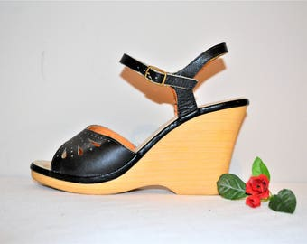 Vintage Shoes Black Leather Wedge 1970's