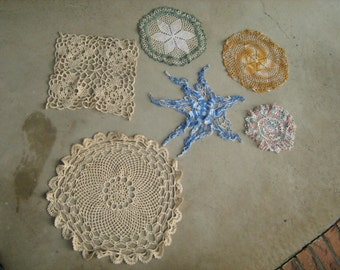 estate find 6 vintage assorted  crocheted doilies