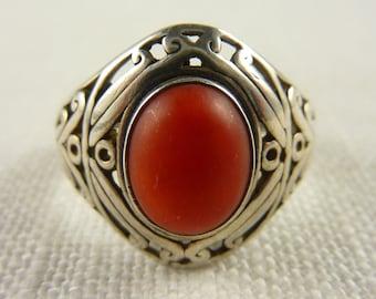 Vintage Size 9 Sterling Coral Ring