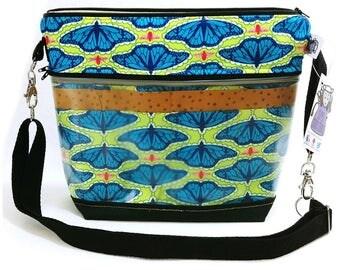 Travel Project Bag Case - Needle & Hook Tool Organizer - Garden Visitors