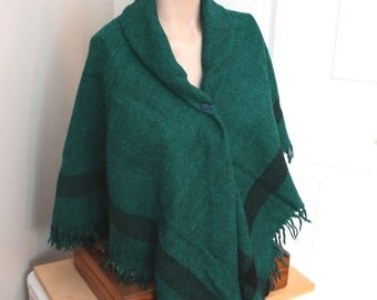 Vintage green knit scarf,green knit scarf,vintage knit scarf,vintage green scarf,woman,teen,knit scarf,warm scarf,costume,theater prop