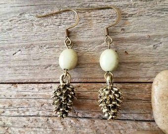Pinecone jewelry, pinecone earrings, nature jewelry, travel jewelry, green jewelry, gold pinecone, green and gold, green earrings, summer
